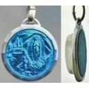 Médaille émail bleu avec eau de Lourdes.